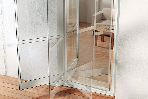 FLEXIBLE SWING DOOR