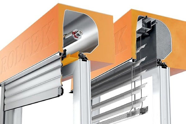 ONE HOUSING TYPE FOR ROLLER SHUTTERS AND VENETIAN BLINDS